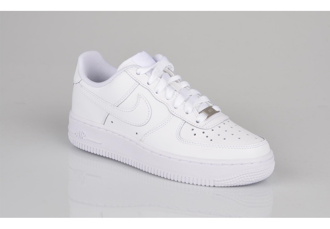 baskets blanches femme nike